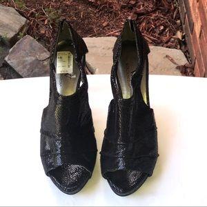 NWT Worthington Sparkly Black Lizard Heels 8.5M